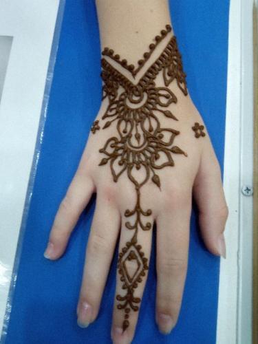henna pri11